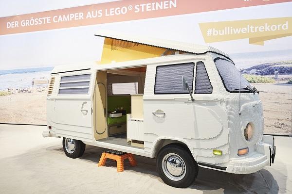 Un Combi T2 de Volkswagen avec 400.000 briques LEGO