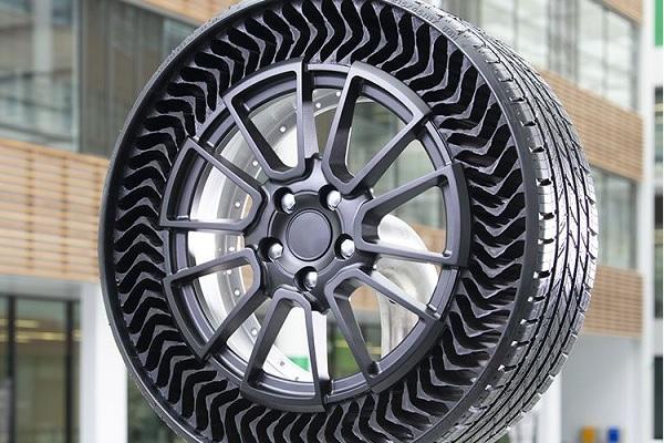 Le pneu increvable Michelin : Uptis Airless