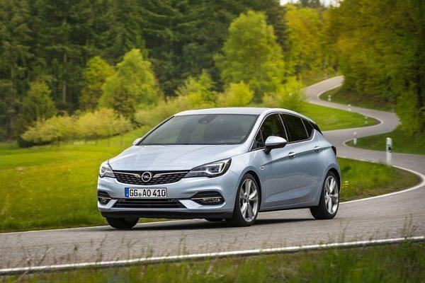Nouvelle Opel Astra restylée (2019) : de nouvelles motorisations mais toujours issues de General Motors