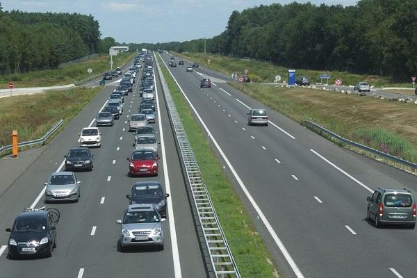 Rouler sur autoroute : code de bonne conduite !