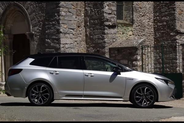 Essai Toyota Corolla Touring Sports Hybride : une héritière qui change la donne pour l'Auris hybride !