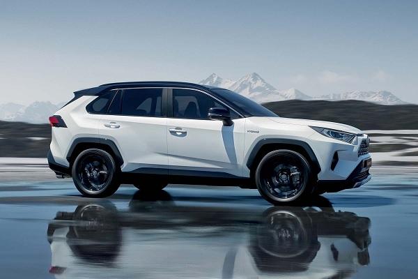Toyota RAV4 : une version hybride rechargeable en préparation