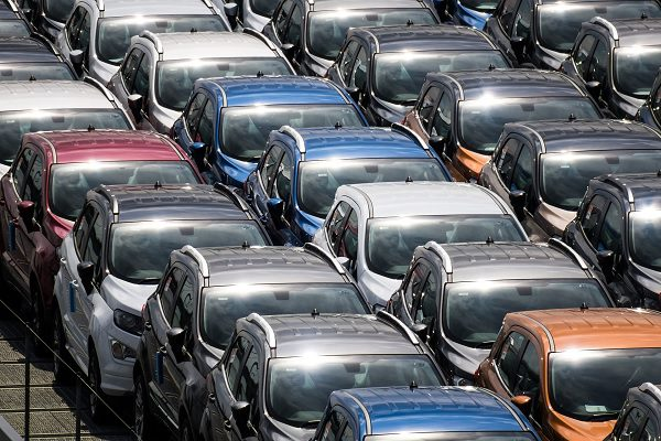 Législation des émissions de C02 : les véhicules les plus lourds ont un « droit de polluer » plus important