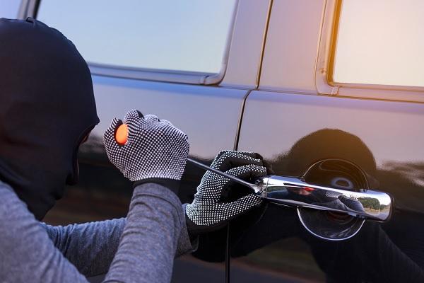 Éviter le vol de véhicule ou d'accessoires auto, les bons réflexes
