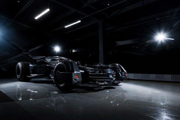 [Vidéo] Être au volant de la Batmobile : un rêve qui devient réalité