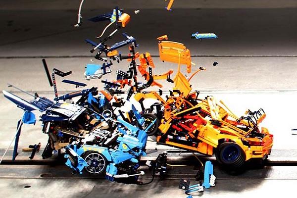 [Vidéo] Le crash-test version Lego entre la Bugatti Chiron et la Porsche 911 GT3 RS
