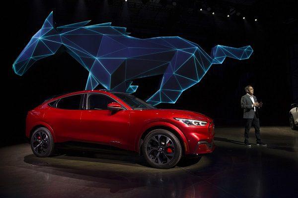 [Vidéo] Ford Mustang Mach-E : les détails à propos du SUV 100% électrique de Ford