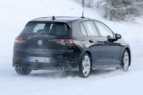 Volkswagen Golf 8 GTI : en essais dans le grand nord avant une présentation au salon de Genève 2020 ?