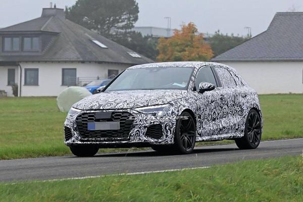 La Future Audi RS3 (2021) déjà photographiée en essai !