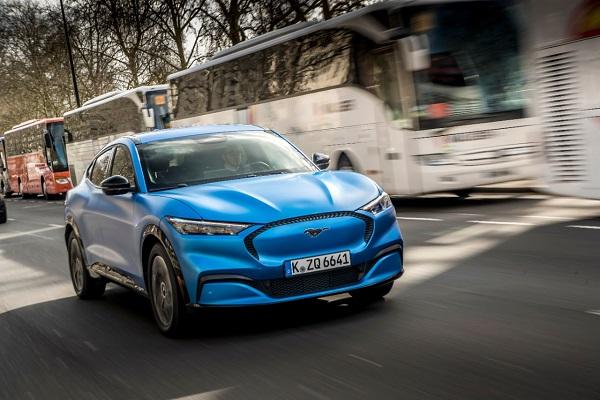Ford prépare un SUV compact dérivé du Volkswagen ID.4