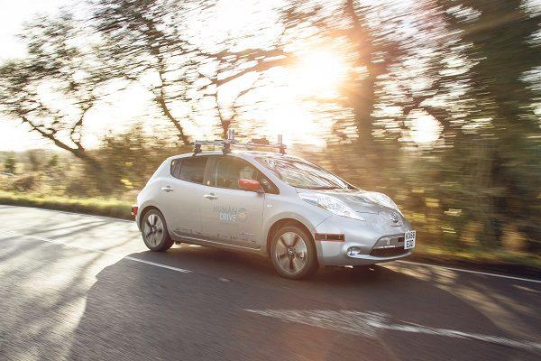Une Nissan Leaf parcourt 370 km de manière 100% autonome au Royaume-Uni