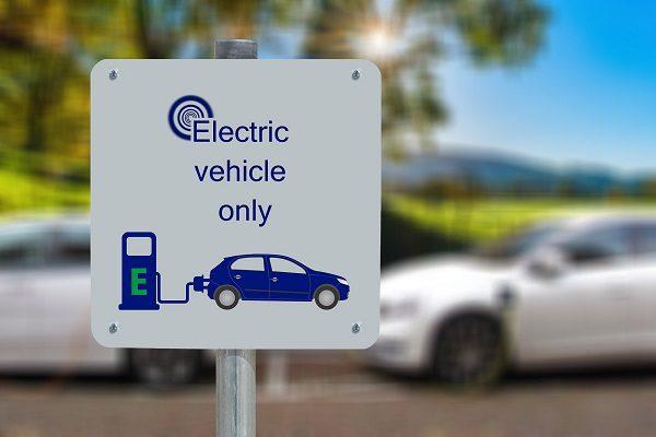 Les voitures thermiques et hybrides interdites en Angleterre en 2035 ?