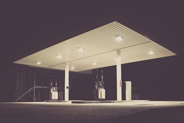 Carburants : les prix atteignent un point bas en plein confinement