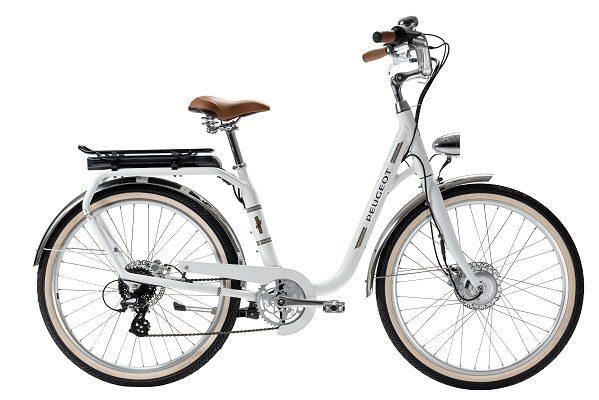 Auto et vélo: ces constructeurs automobiles qui fabriquent des deux-roues non-motorisés