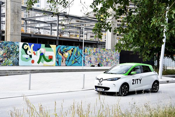 Autopartage 100% électrique: Renault accélère son développement autour de Paris