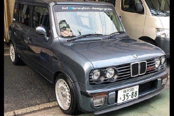 Un Suzuki Alto Lapin déguisé en BMW Série 3 E30