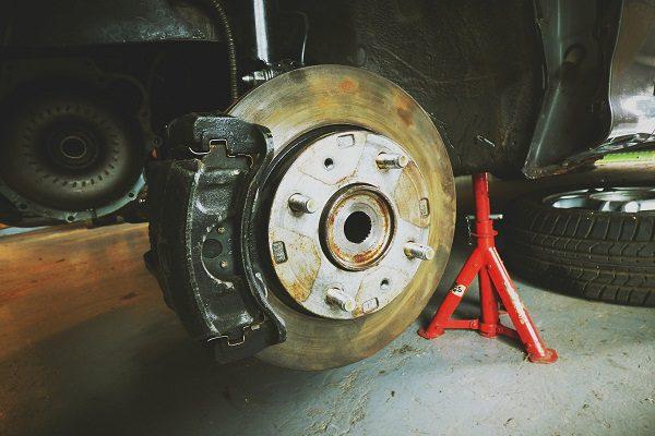Entretien automobile: suivez l'usure de vos freins pour rouler sereinement