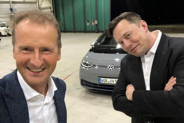 Quand Herbert Diess invite Elon Musk à bord de la nouvelle Volkswagen ID.3