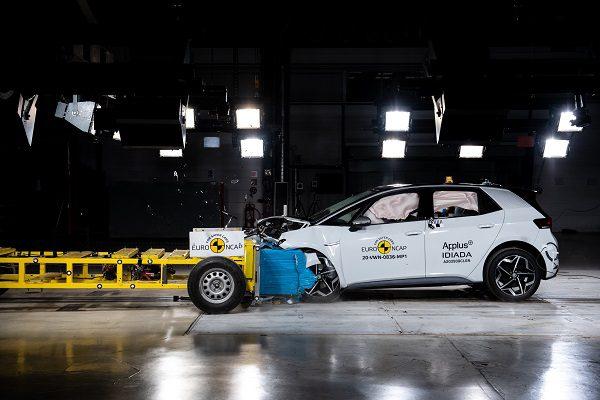Euro NCAP: la Honda Jazz et la Mazda MX30 obtiennent cinq étoiles