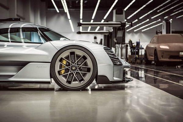 Le nouveau Porsche Macan aperçu par erreur?