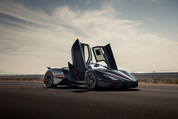 Record de vitesse : la SSC Tuatara est-elle véritablement la voiture la plus rapide du monde ?