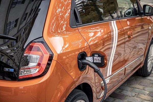La voiture électrique plébiscitée par les automobilistes français