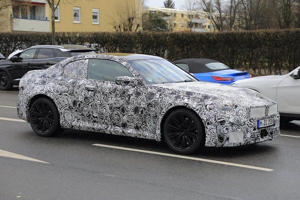 BMW M2: le coupé sportif renouvelé dès 2022