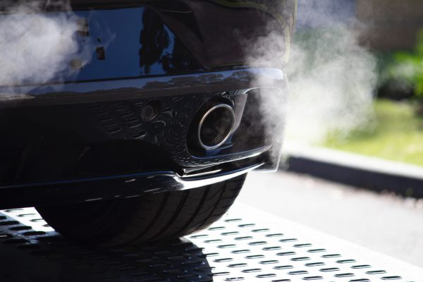Émissions de CO2 trop élevées : des amendes à payer pour plusieurs constructeurs