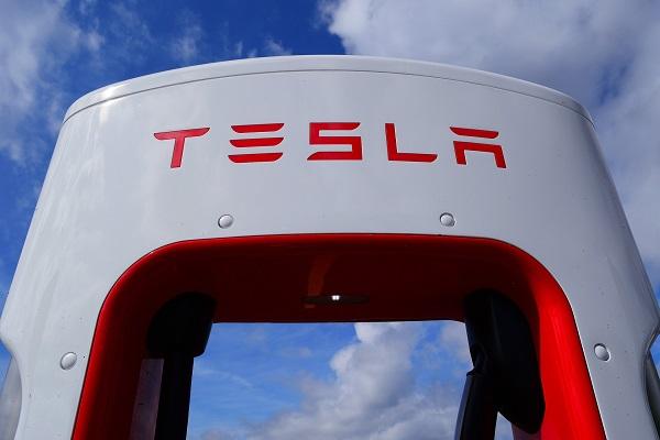 Son et lumière chez Tesla