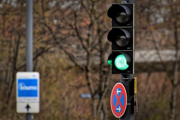Sécurité routière: des feux de signalisation intelligents qui vous récompensent