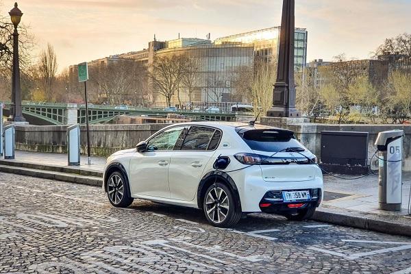 Rouler en électrique, un choix déjà plus économique en 2021 !