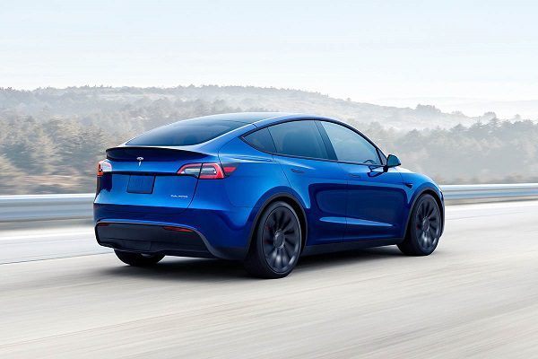 Tesla Model Y: le SUV électrique arrive en France avant la rentrée