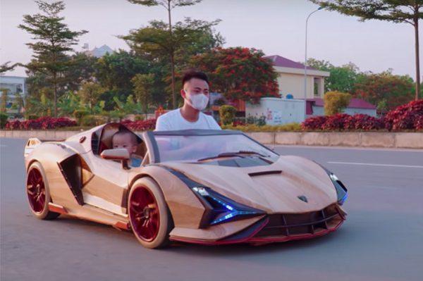 La Lamborghini Sian version 100% bois