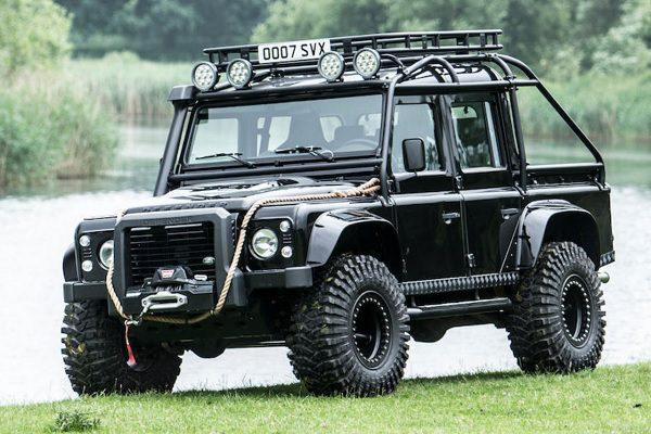 A vendre : Land Rover Defender ayant appartenu à James Bond