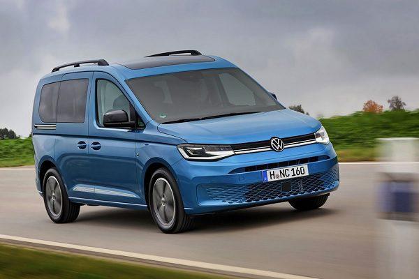 Volkswagen Caddy ou Peugeot Rifter ? Le Lion dominateur sur le marché des ludospaces