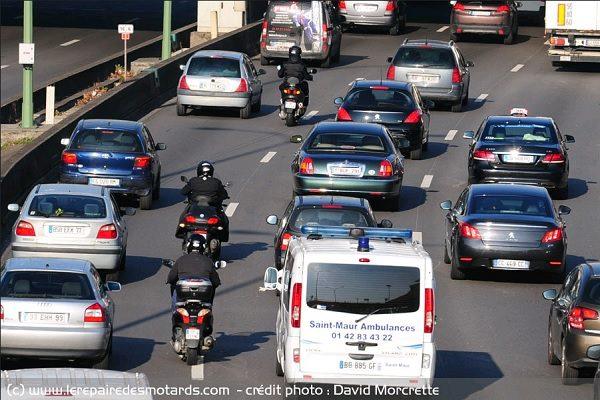 De nouveaux panneaux de signalisation destinés à la circulation inter-files