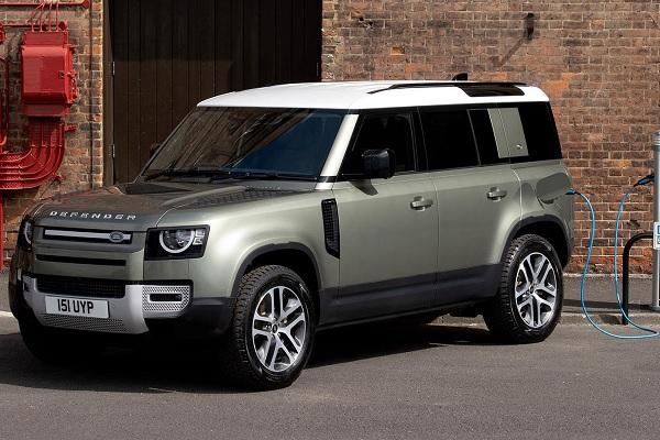 Essai Land Rover Defender PHEV hybride rechargeable : quelle autre version peut tenir la comparaison ?