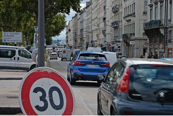 Voici les villes de France où la vitesse a été abaissée à 30 km/h
